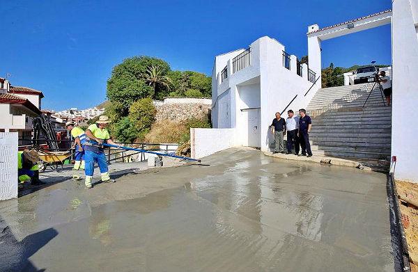 Urbanismo y Servicios Operativos llevan a cabo obras de mejora en Calle Dalia