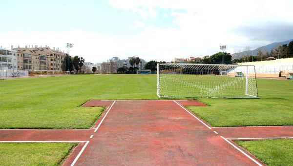 El Ayuntamiento culmina los trabajos de mejora en las pistas de atletismo del polideportivo de Arroyo de la Miel