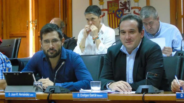 El Ayuntamiento aprueba una moción para evitar el embargo para los que perciban un salario por debajo del mínimo profesional.