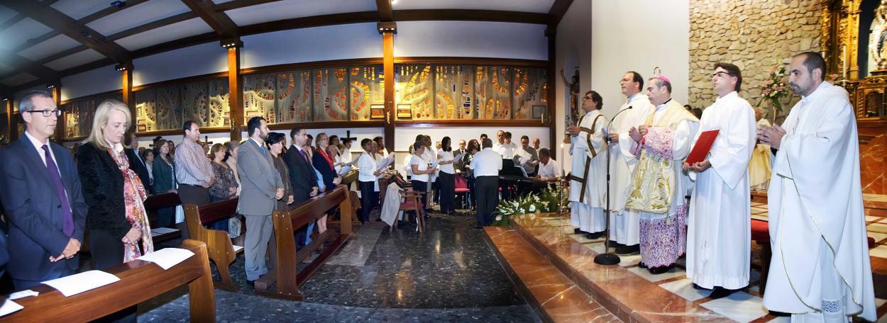 El Obispo de Málaga bendice el nuevo altar de la Iglesia Inmaculada Concepción