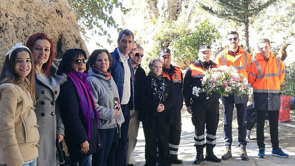 El Alcalde Víctor Navas y el Concejal Javier Marín participan en la ofrenda floral a la Virgen de Lourdes