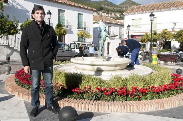 El Ayuntamiento viste de Navidad las calles del municipio con cerca de 5.000 pascueros