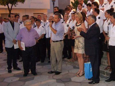 La Alcaldesa Asiste en Estepona al Estreno en Concierto de un Pasodoble Andaluz Dedicado a Benalmádena.