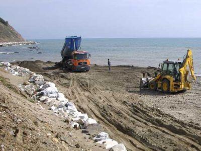 Costas comienza el arreglo de las playas de Benalmádena