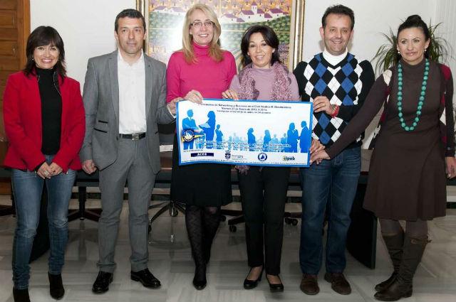 La regidora presenta la I Jornada Networking y Business del Club Náutico de Benalmádena 2013