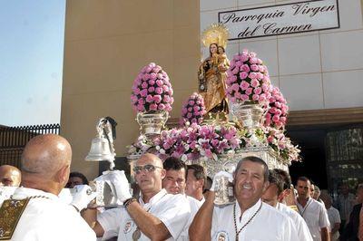 Benalmádena Rinde un Gran Homenaje Solemne y Festivo a la Virgen del Carmen.