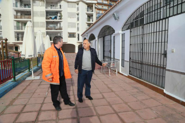 Servicios Operativos acomete obras de mejora y acondicionamiento en el Centro Social Doña Gloria Alonso en los Porches
