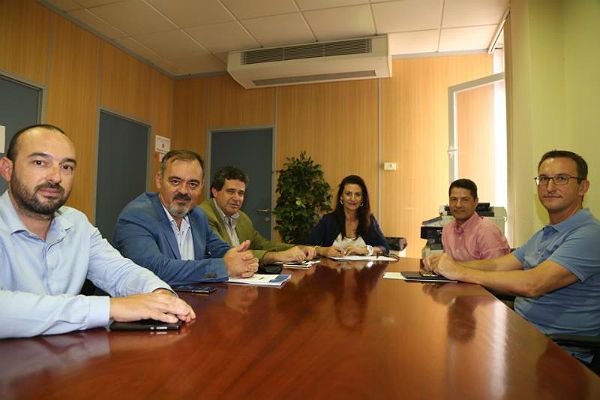 El Concejal Bernardo Jiménez mantiene el primer encuentro con la Junta Directiva de la ACEB para el impulso del Centro Comercial Abierto de Benalmádena