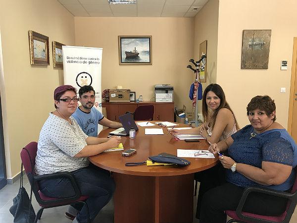 Las Concejalas Irene Díaz y Alicia Laddaga mantienen un encuentro con la Plataforma Apoyo Positivo