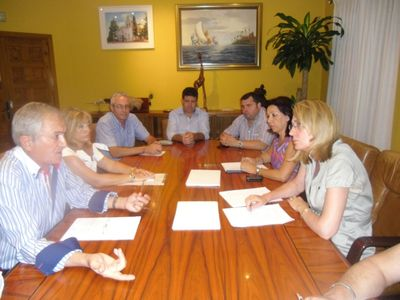 El Ayuntamiento y la ACEB Trabajarán en Paralelo para Impulsar y Dinamizar la Actividad Comercial.