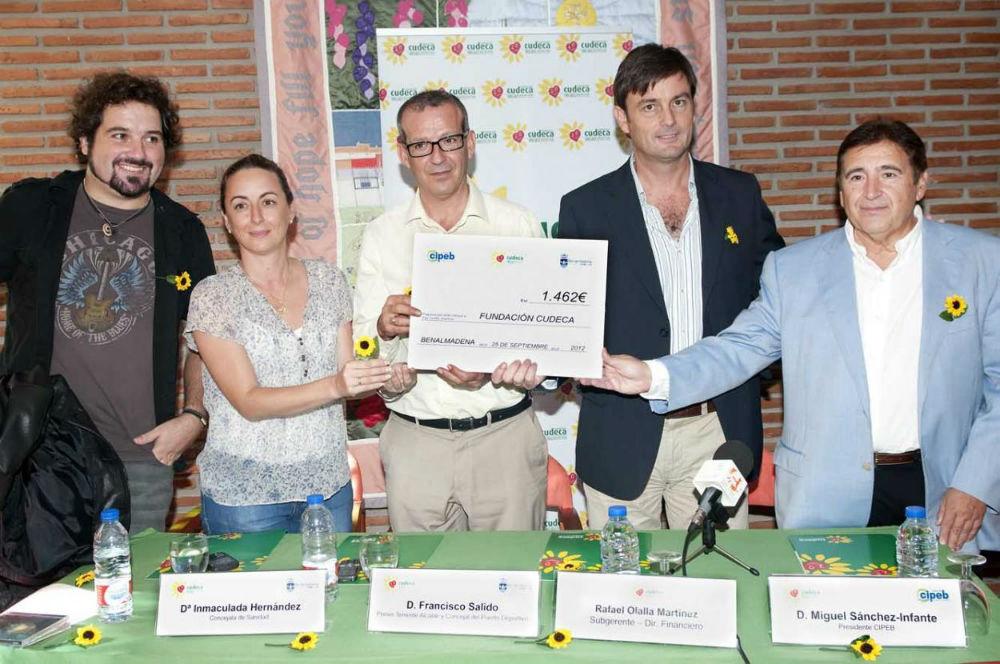 El Ayuntamiento y Cipeb entregan a Cudeca la recaudación de los 'Sabados en Vivo' que asciende a cerca de 1.500 euros