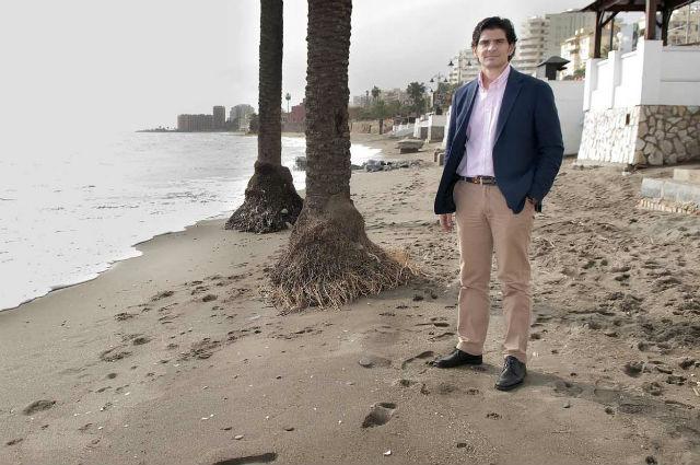 El Ayuntamiento intensifica las labores de limpieza y recuperación de las playas más afectadas por los últimos temporales