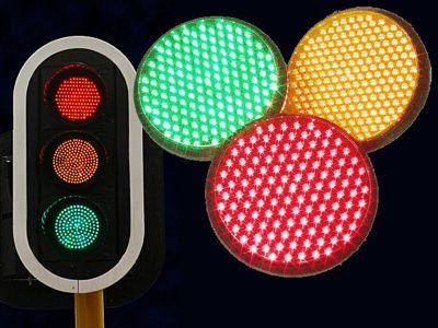 Tecnología LED para los semáforos de Benalmádena