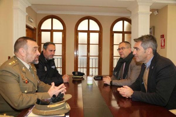 El Alcalde y el Concejal de Seguridad mantienen un encuentro con el Subdelegado de Defensa en Málaga