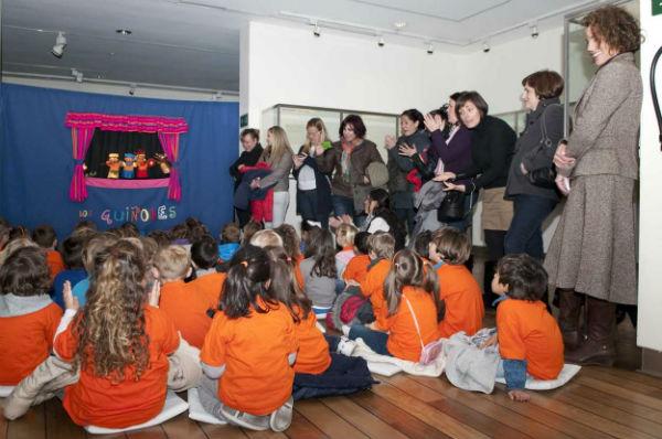 Los alumnos del 'Jacaranda' participan en la actividad 'Los guiñoles del Museo'