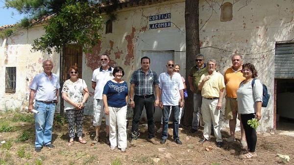 El Edil Enrique García visita el Cortijo La Comba, donde se proyecta la creación de huertos ecológicos urbanos