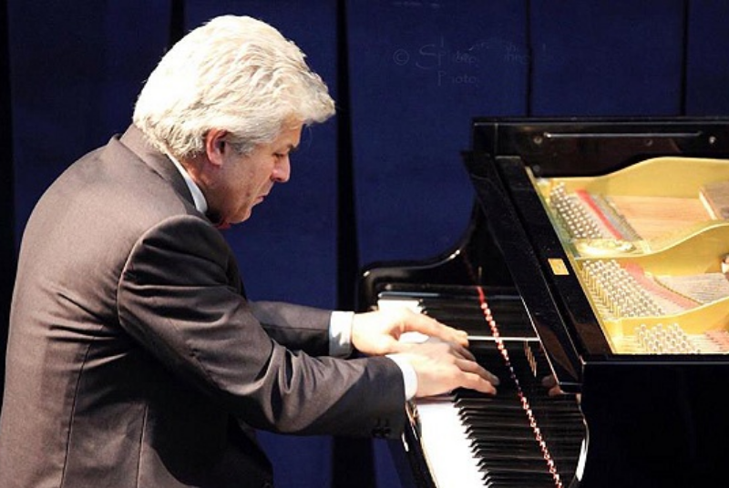 CONCIERTO DE PIANO DE VALERIO PREMUROSO